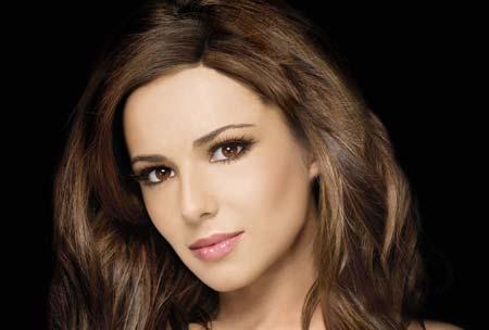 Cheryl Cole isi doreste de anul nou sa se demachieze inainte de somn