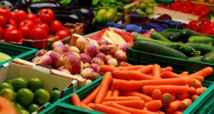 interpretare, vis, legume, fructe, ardei, cartofi, castraveti, ceapa, ciuperci, fasole, morcov, patrunjel, rosie, salata, varza, banane, capsuni, cirese, lamaie, mere, pepene, pere, portocale, struguri, visine