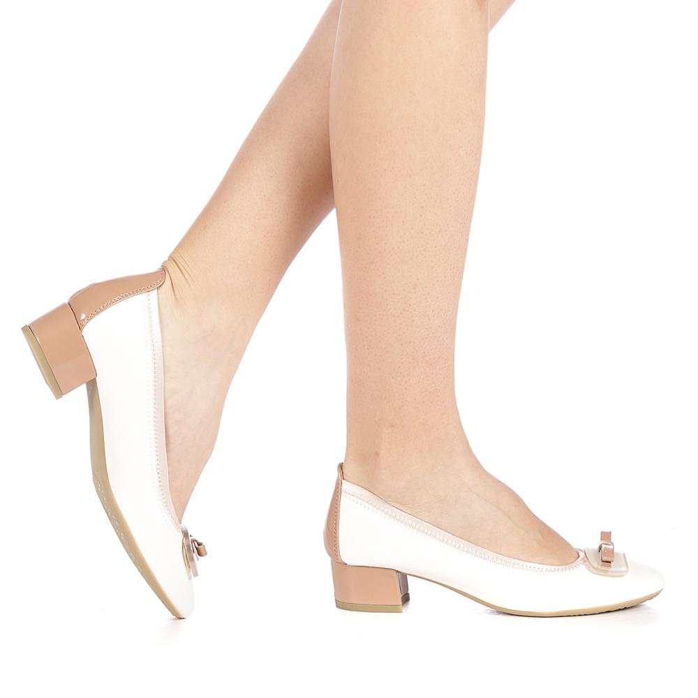 pantofi albi cu toc mic