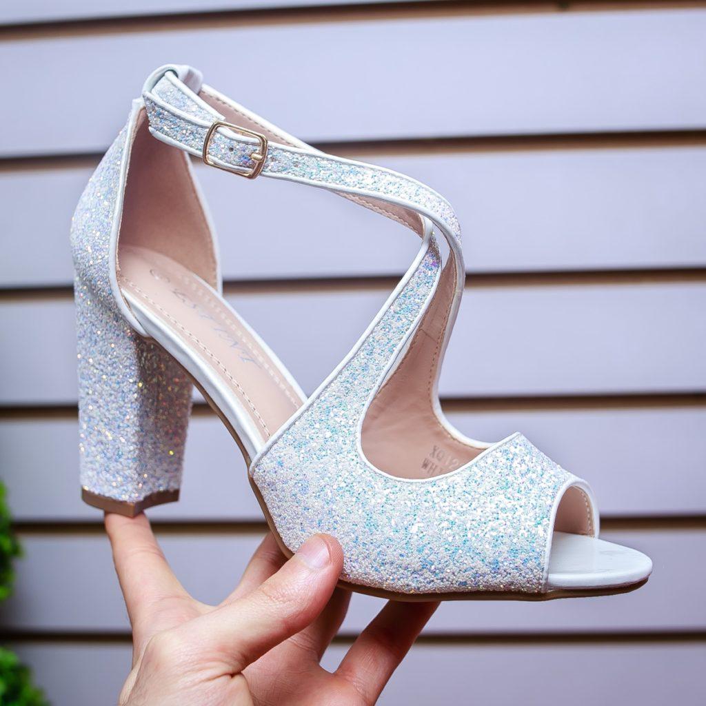 sandale albe cu sclipici