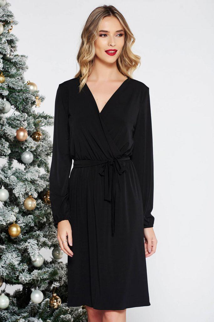 rochie neagra cu maneci lungi