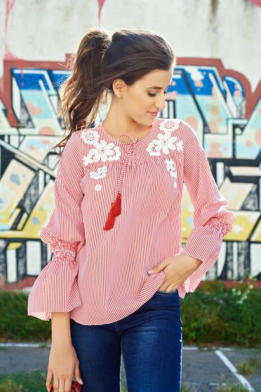 Bluza dama LaDonna rosie din bumbac brodata cu maneci clopot