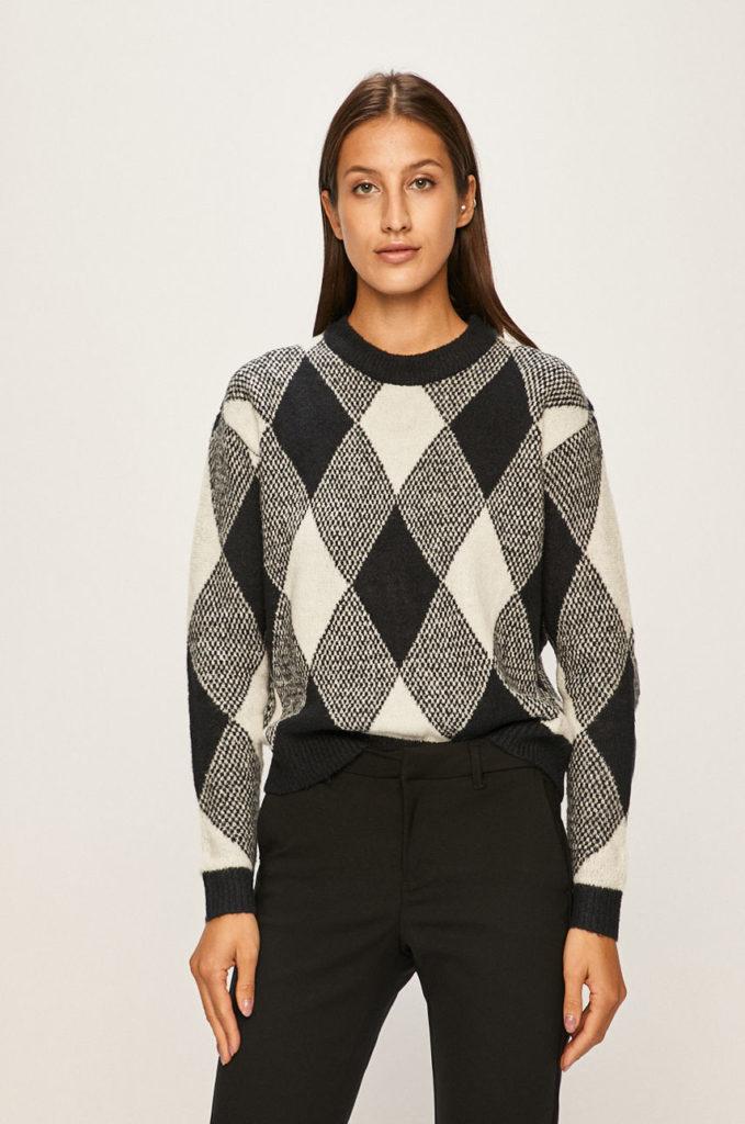 pulover alb-negru in carouri