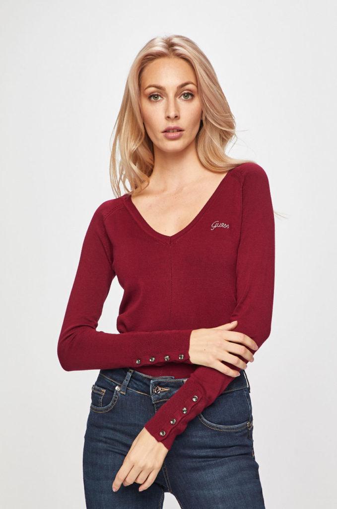 pulover cu guler in V