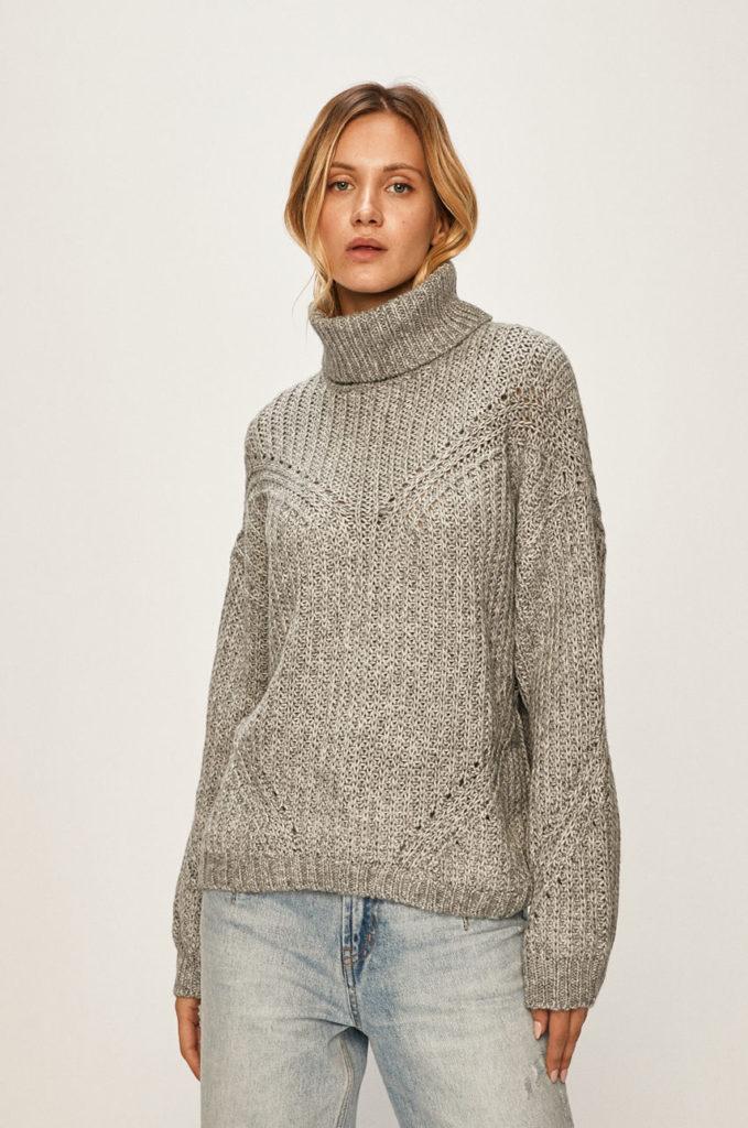 pulover cu guler inalt aspect lasat