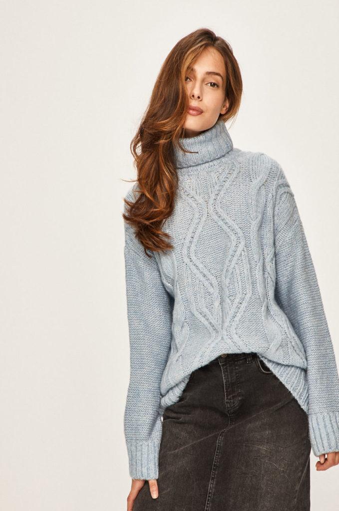 pulover gri calduros cu guler