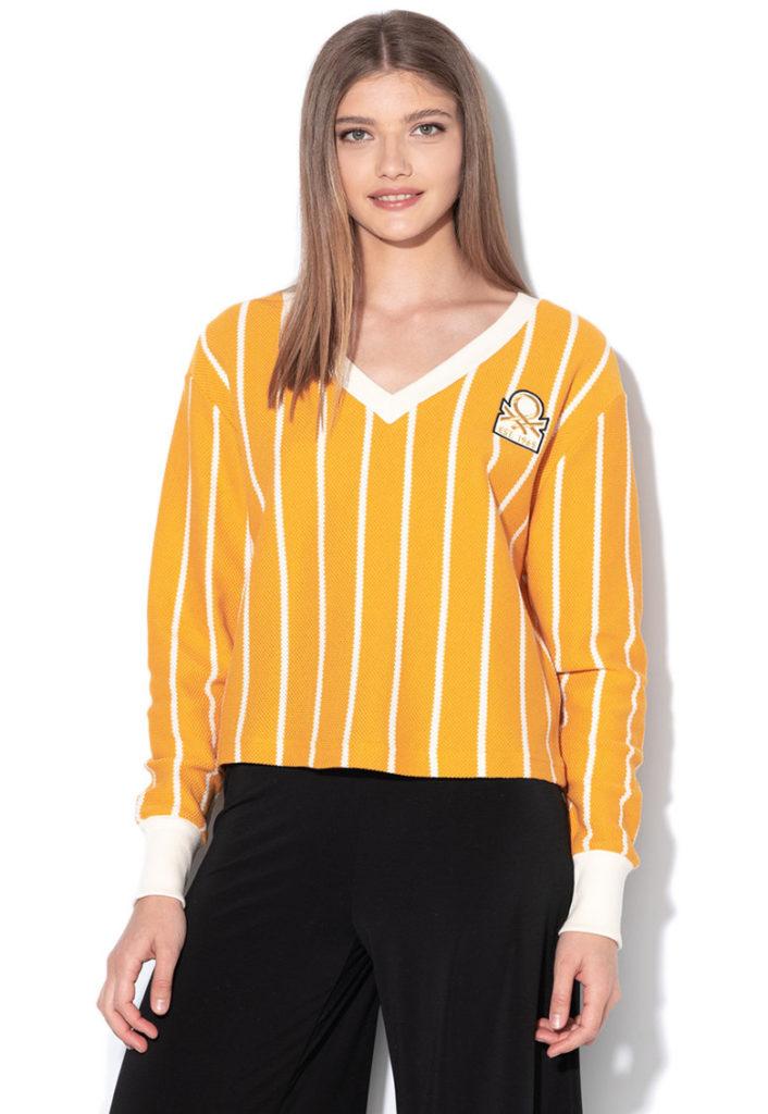 pulover mustar cu dungi albe