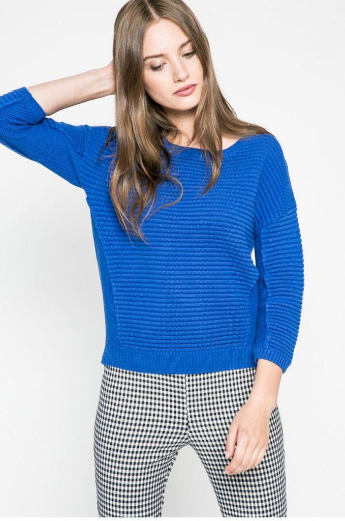 pulover tricotat albastru