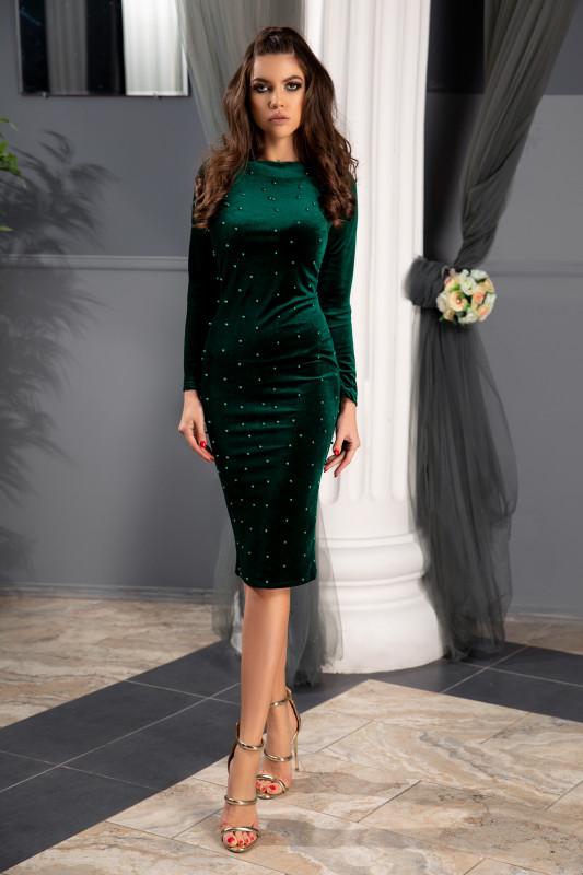 rochie verde mulata pe corp