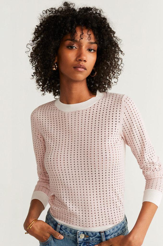 pulover roz prafuit cu mici gauri