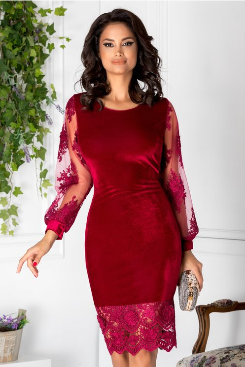 rochie rosie de catifea si dantela