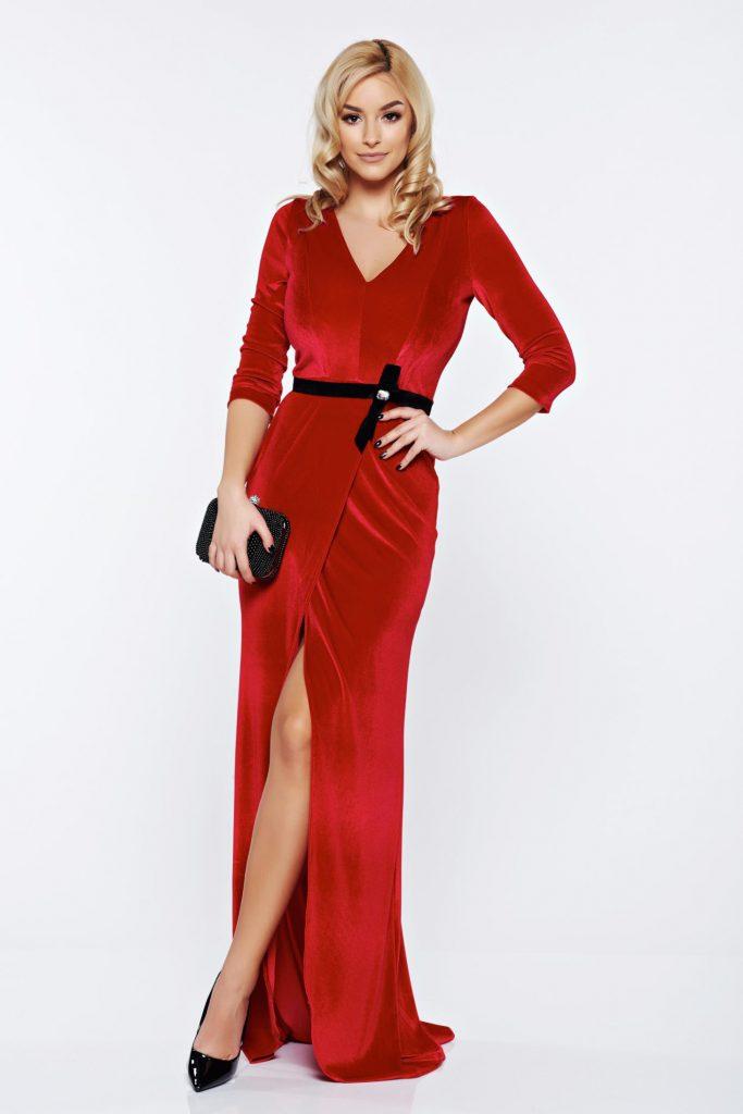 rochie rosie din catifea