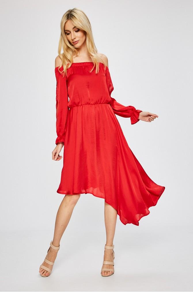rochie rosie de banchet