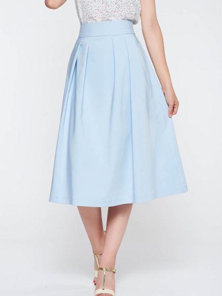Fusta  albastra-deschis eleganta in clos cu talie inalta din stofa neelastica