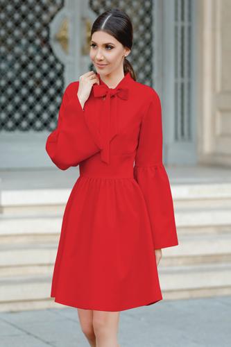 model rochie rosie pentru Craciun