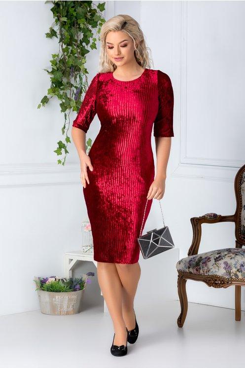 rochie simpla din catifea rosie