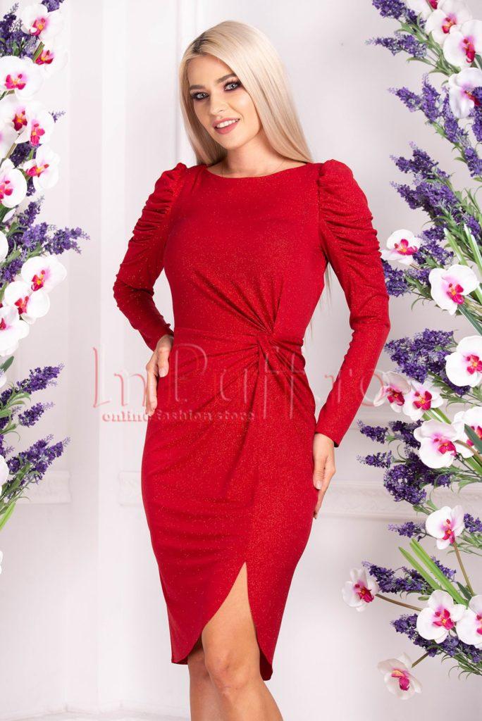 rochie sclipitoare rosie cu slit lateral