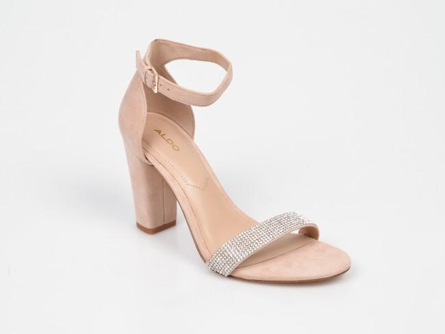 sandale roz cu bareta argintie