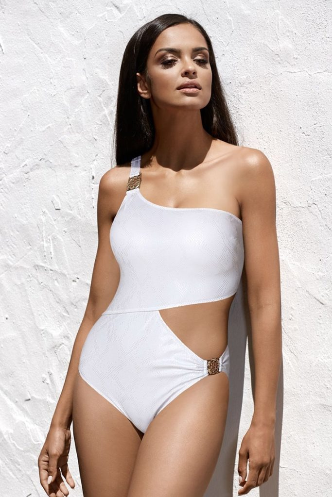 costum de baie intreg alb cu decupaje