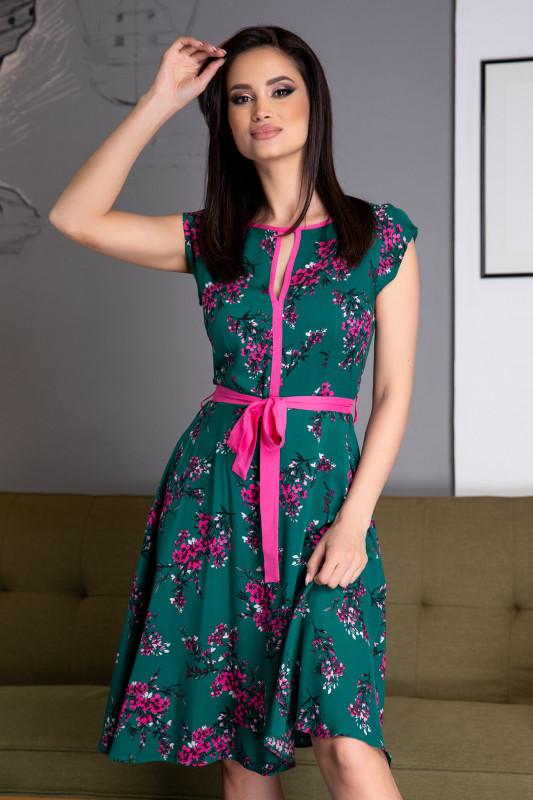 Rochie cu flori pentru femei plinute