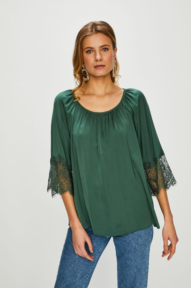 bluza verde satinata cu dantela