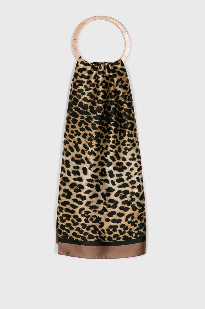 esarfa cu print leopard