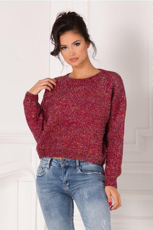 pulover rosu cu insertii stralucitoare