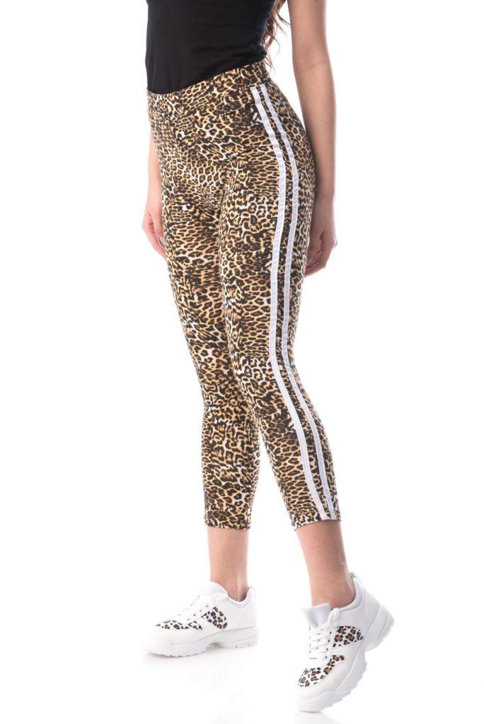 egari cu print leopard deasupra gleznei