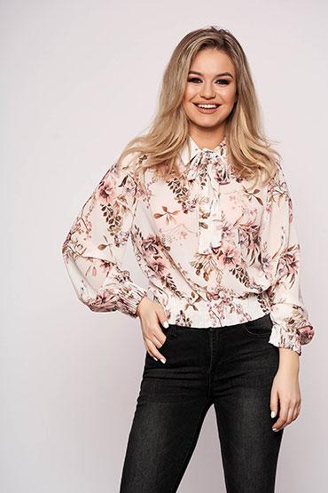 bluza-roz-cu-imprimeuri-florale
