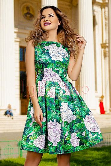 rochie-clos-verde-cu-flori