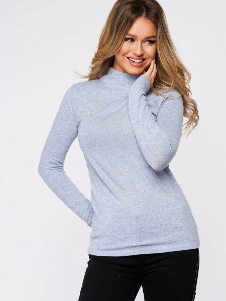 Bluza dama  albastru-deschis din bumbac pe gat din material elastic si fin la atingere