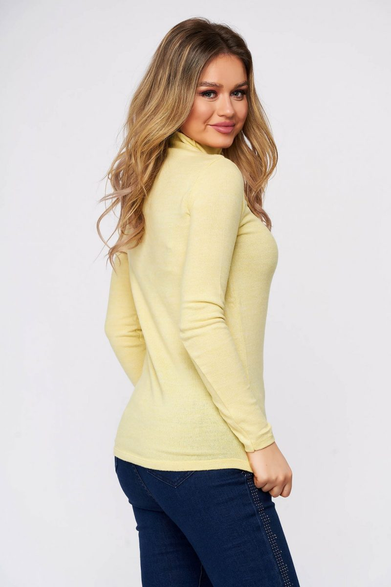 Bluza dama  galbena din bumbac pe gat din material elastic si fin la atingere -