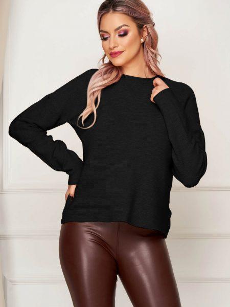 Bluza dama  neagra casual tricotata cu croi larg si guler barcuta