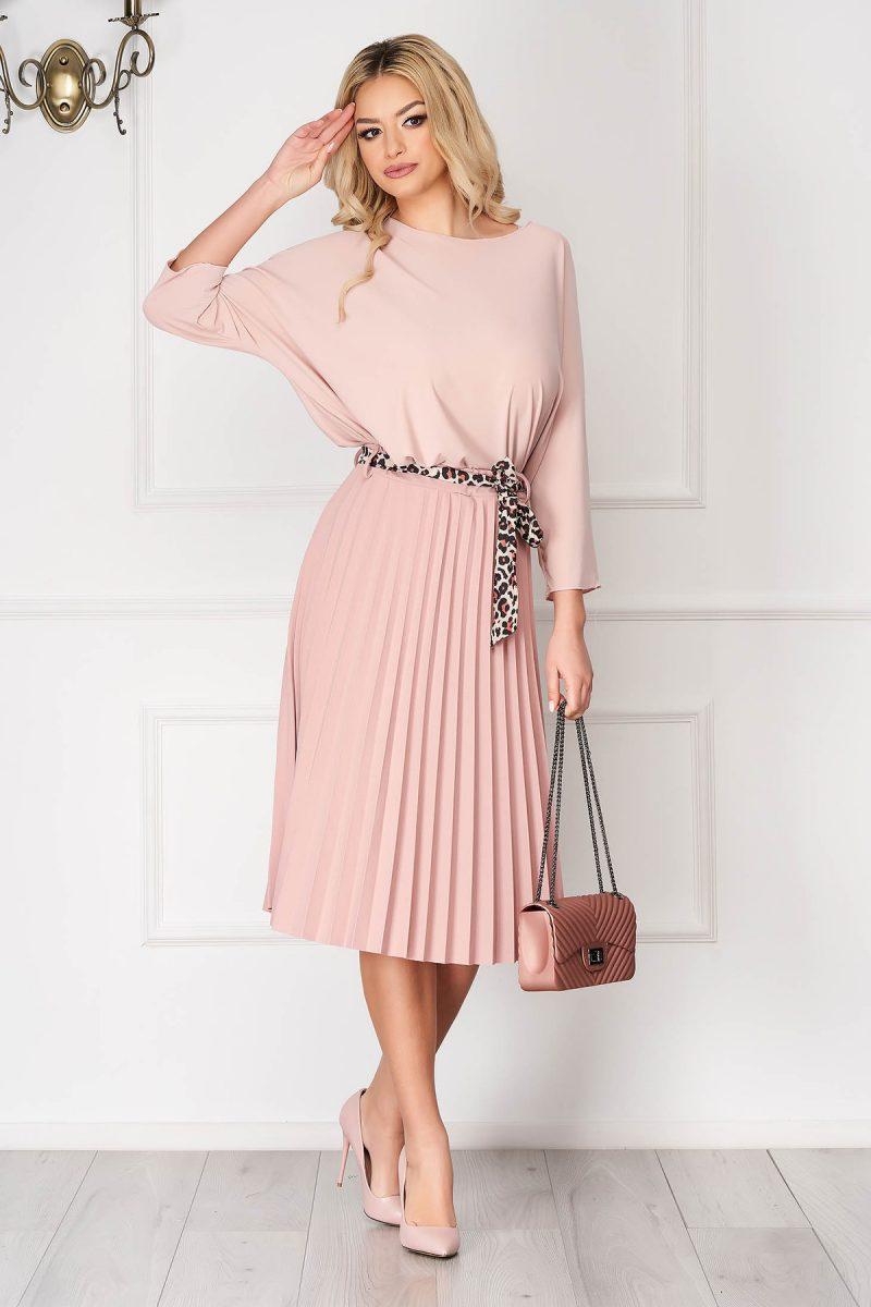 Bluza dama roz prafuit casual scurta asimetrica cu croi larg -