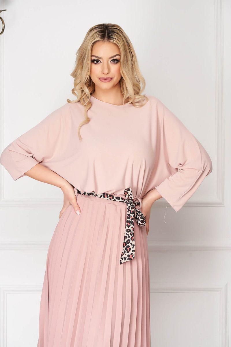 Bluza dama  roz prafuit casual scurta asimetrica cu croi larg