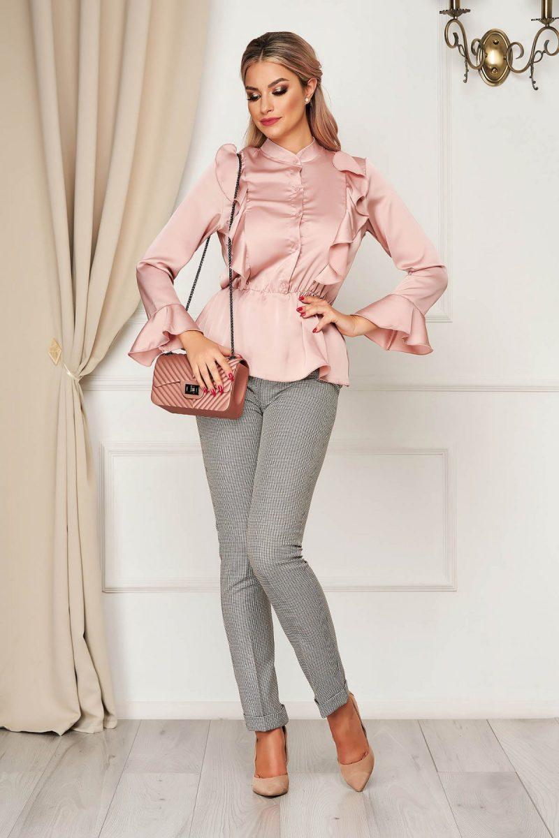 Camasa dama roz prafuit eleganta cu croi larg din material satinat cu elastic in talie cu volanase -