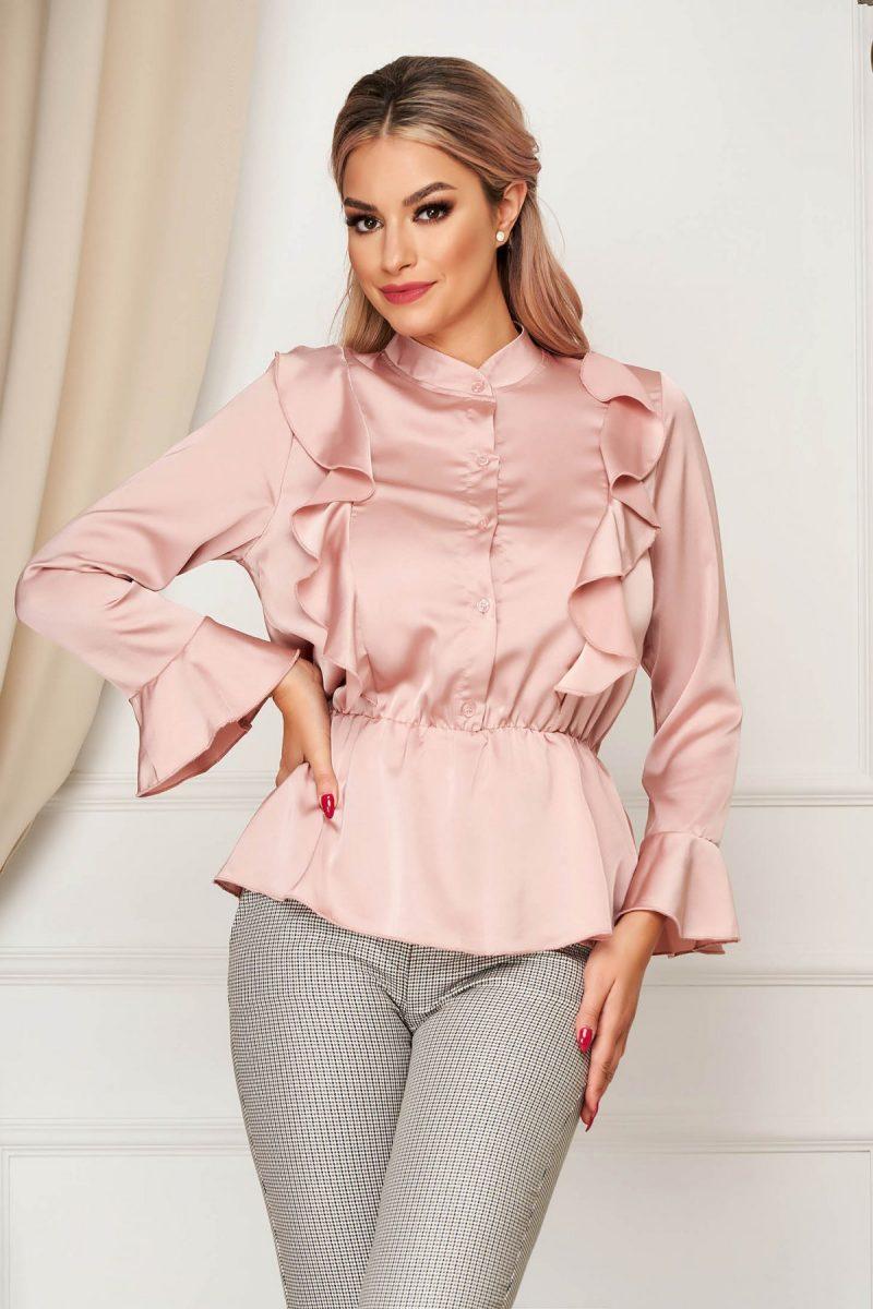 Camasa dama  roz prafuit eleganta cu croi larg din material satinat cu elastic in talie cu volanase