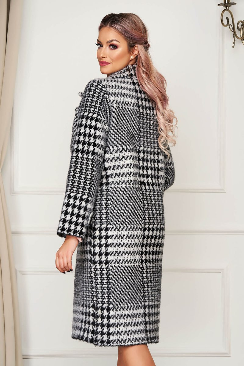 Palton elegant din lana cu croi larg in carouri -