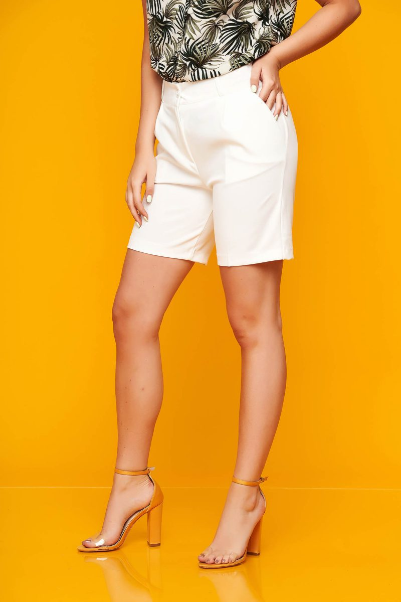 Pantalon scurt  alb casual mulat din stofa elastica cu buzunare