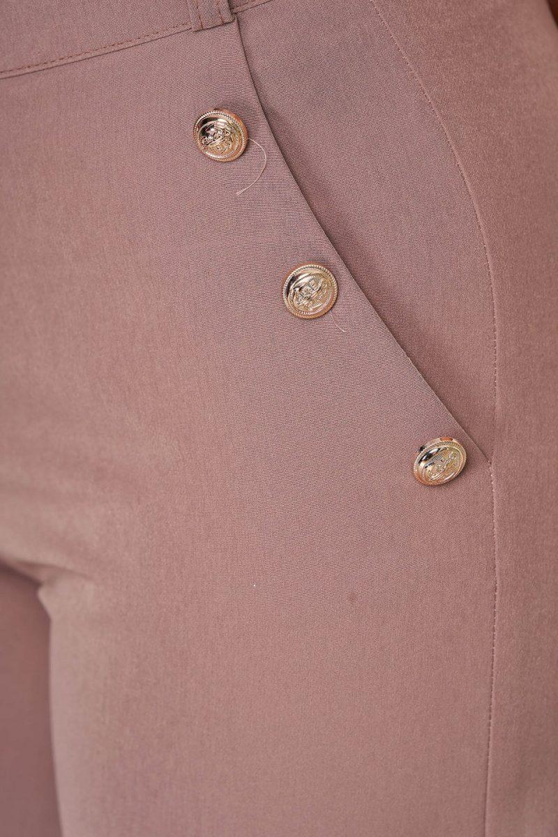Pantalon scurt cappuccino casual mulat din stofa elastica cu buzunare -