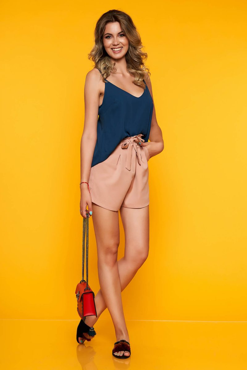 Pantalon scurt roz prafuit casual cu talie inalta cu buzunare in fata accesorizat cu cordon -