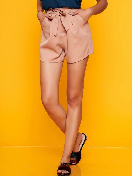 Pantalon scurt  roz prafuit casual cu talie inalta cu buzunare in fata accesorizat cu cordon