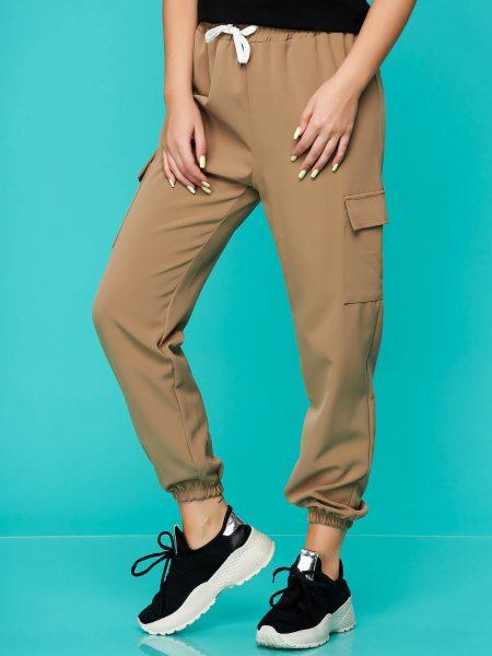 Pantaloni  cappuccino casual cu talie medie cu elastic in talie accesorizati cu snur din material subtire