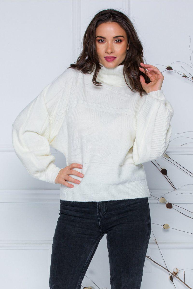 Pulover Dory scurt alb din tricot cu guler inalt