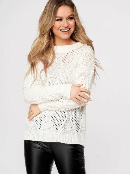 Pulover  alb casual tricotat cu croi larg si aplicatii cu perle