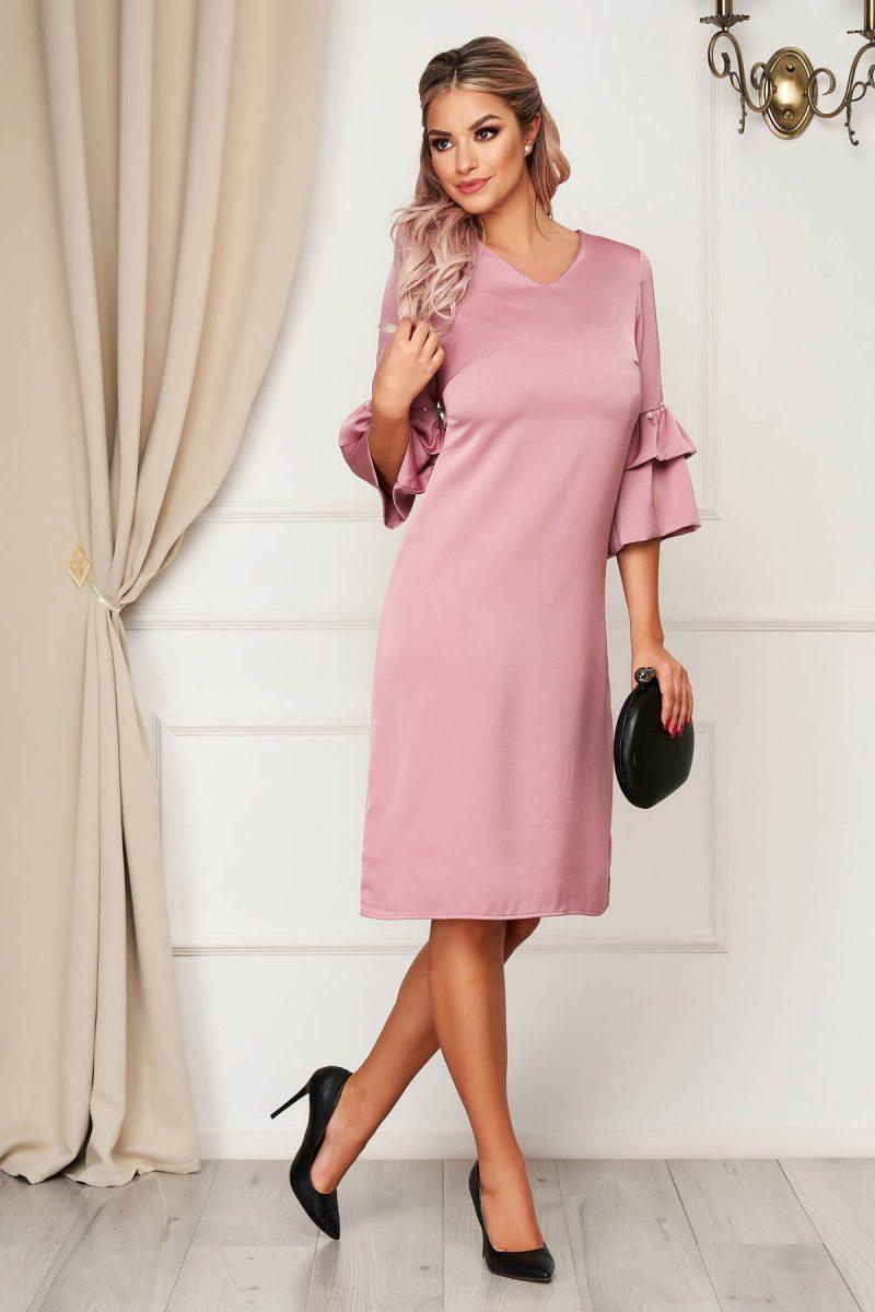 Rochie roz deschis eleganta cu croi in a cu maneci clopot cu aplicatii cu perle -