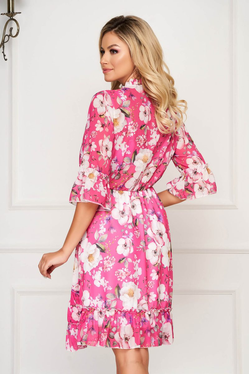 Rochie  roz scurta de zi din voal in clos cu elastic in talie si volanase -