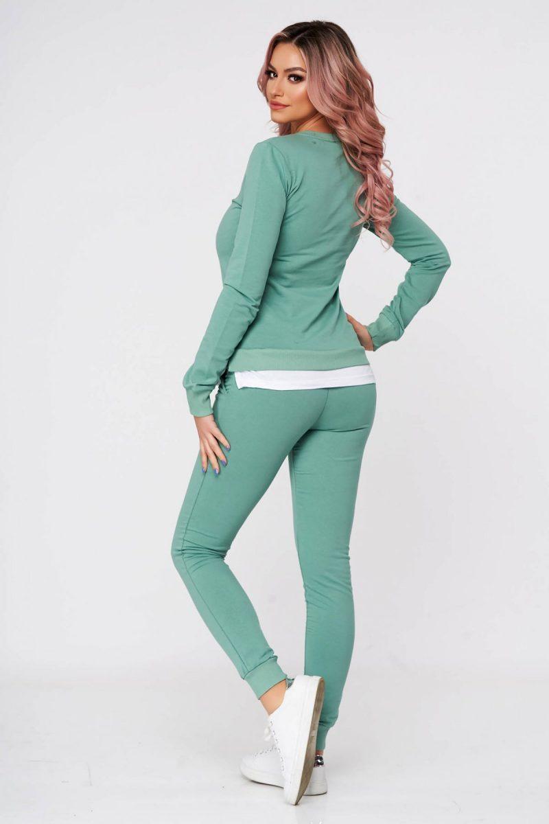 Trening dama verzi din 2 piese cu pantalon din bumbac usor elastic cu croi larg si slit lateral -